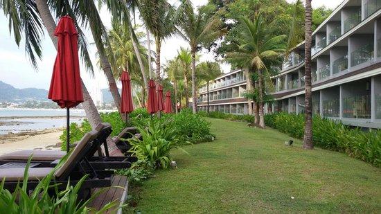 Amari Phuket: Deluxe room building