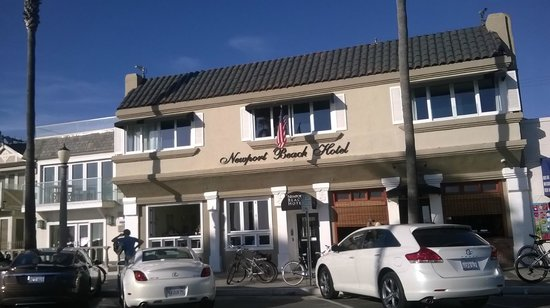 Newport Beach Hotel: Exterior