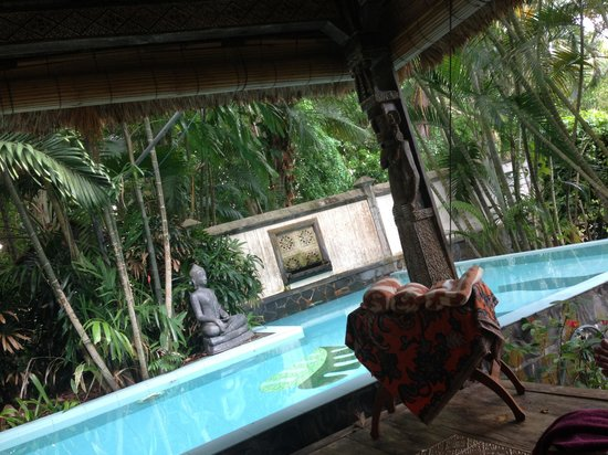 Tempat Senang Resort: Foot scrub and pedicure near the pool