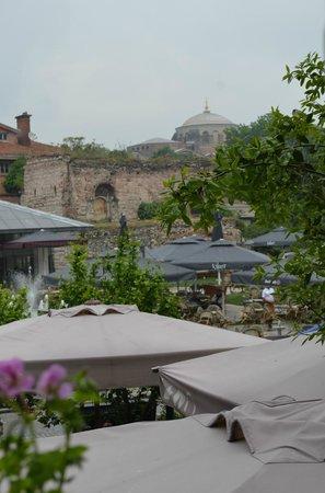 House of Medusa : vue du restaurant sur Ste Sophie