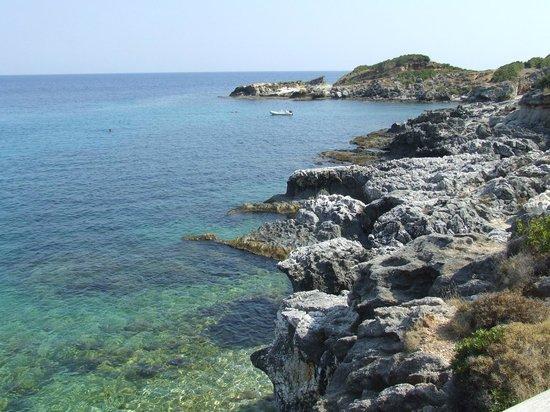 Porto Skala Hotel & Village Resort : La spiaggia (lato ovest)