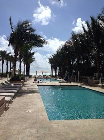 Grand Beach Hotel Surfside : Outdoor Pools