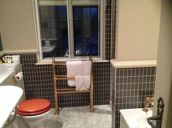 The White Hart Hotel : Anne Boleyn Suite bathroom
