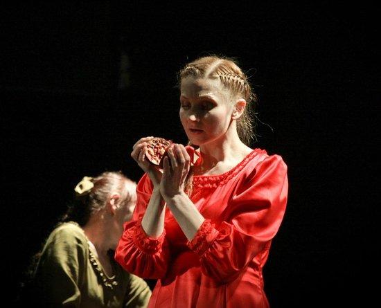 "Novgorod Theatre For Children and Youth Maly: Спектакль ""3 СЕСТРЫ"""