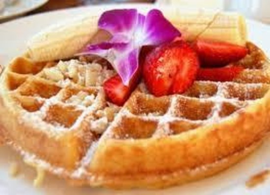 VanWinkle Inn: Holly makes a TREMENDOUS STUFFED WAFFLE!!!