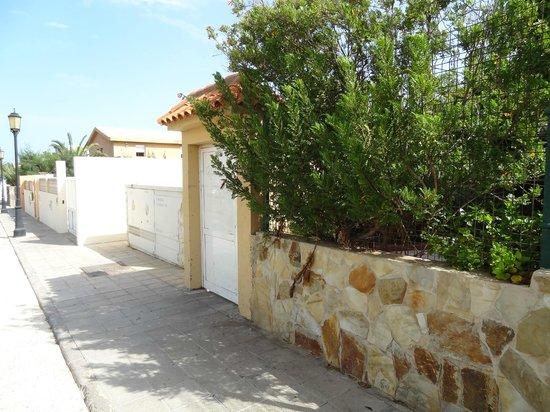 Apartamentos Maxorata Beach : Rear entrance