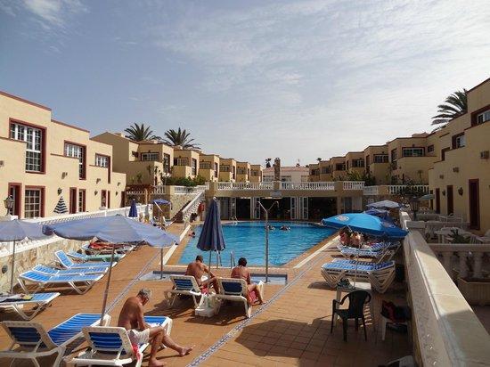 Apartamentos Maxorata Beach : Pool area