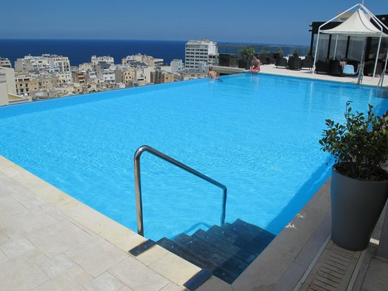 The Palace: Infinity pool overlooking Mediterranean