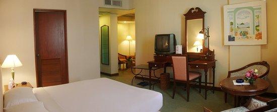 Metropole Hotel Phuket : Junior Suite