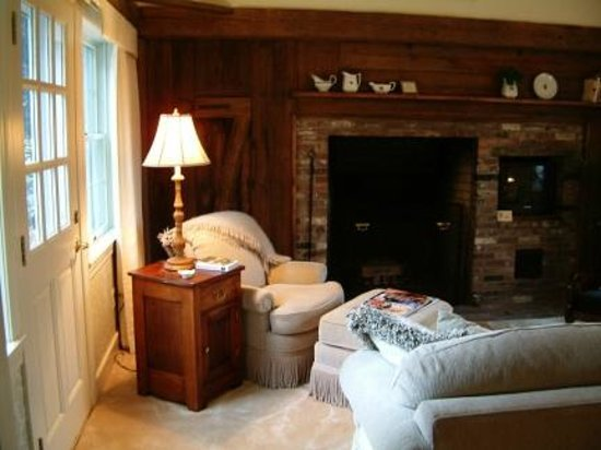 Inn at Sawmill Farm: In-room fireplaces in our cottages