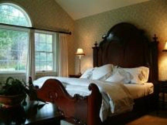 Inn at Sawmill Farm: Luxury accommodations