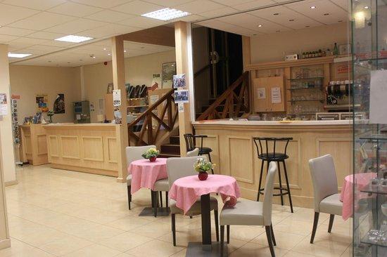 Hotel Lavalliere Croix Blanche: Entrée