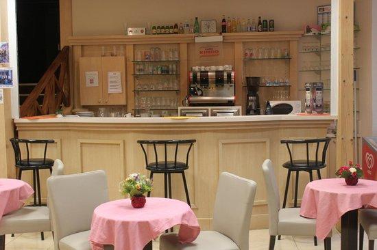 Hotel Lavalliere Croix Blanche: Bar