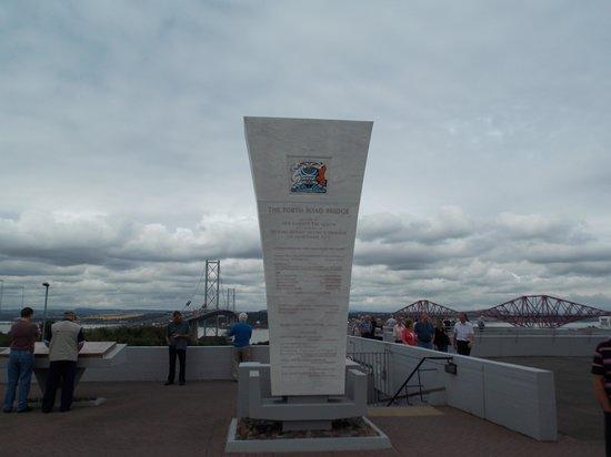 Forth Bridge: memorial