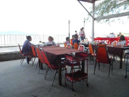 Phong Phang Restaurant : the ambience
