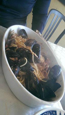 Ristorante Belvedere: spaghetti allo scoglio (ottimi muscoli!)