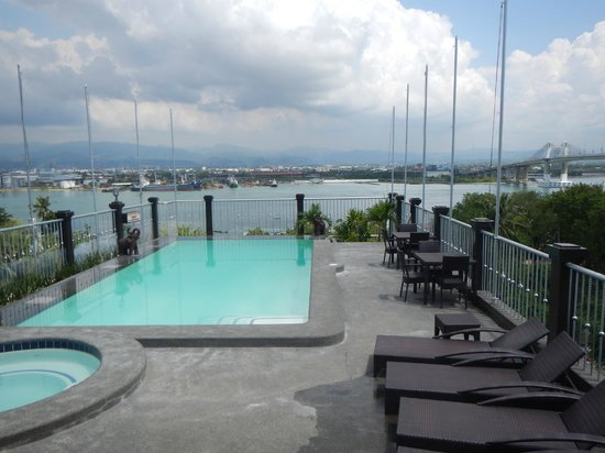 The Bellavista Hotel: Roofdeck Pool