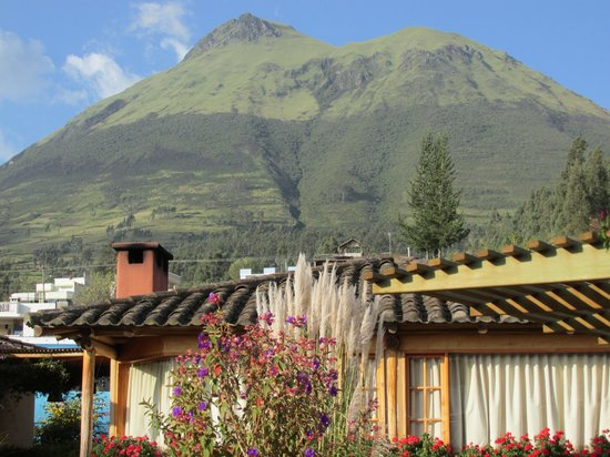 Hosteria Cabanas del Lago : Sits in the Shadow of a Volcano