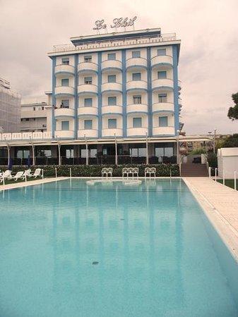 Hotel Le Soleil: Hôtel vue de la plage