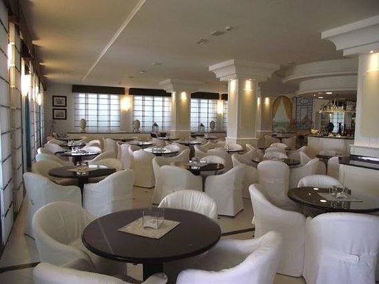 Hotel Le Soleil: Salon