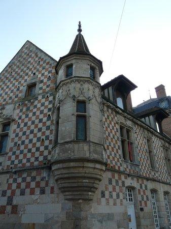 Le Clos- Relais et Châteaux : Un hôtel particulier du 16ème siècle.