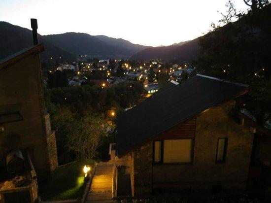 Altos del Alma: vista nocturna de san martin desde las cabañas