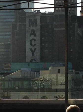 Hotel Metro: Macy's is just down the street