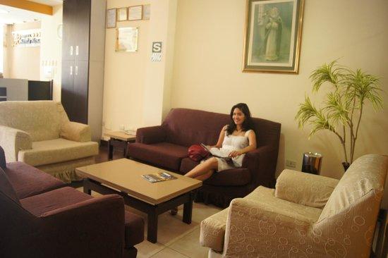 Hotel Santa Rosa: Sala de espera