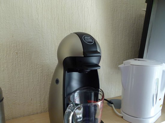 Lauriston Court Hotel: Coffee machine