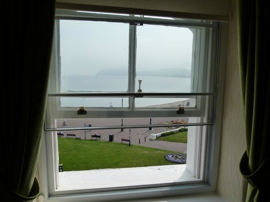 Lauriston Court Hotel: View from room