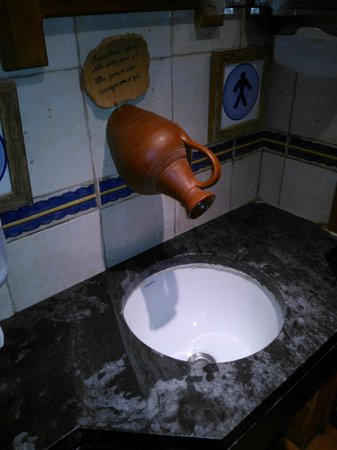 Trempe : A pia do banheiro..