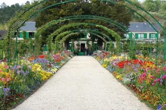 La Ferme des Isles : Jardin de Claude Monet Giverny