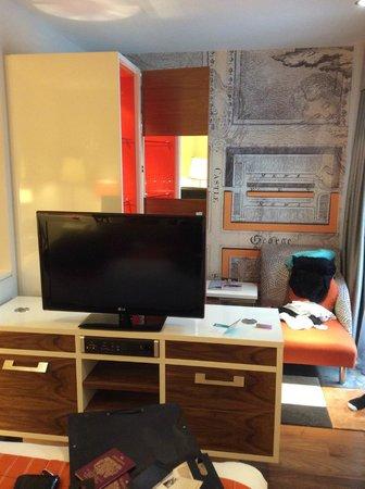 Hotel Indigo Edinburgh: TV Etc