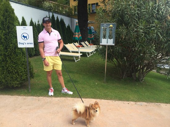 Parco San Marco Lifestyle Beach Resort: Areas for your pets - very pet friendly place :)