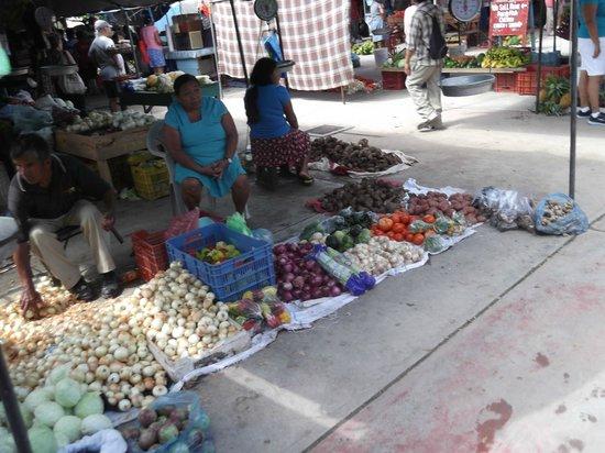 San Ignacio Market: Veggies Galore
