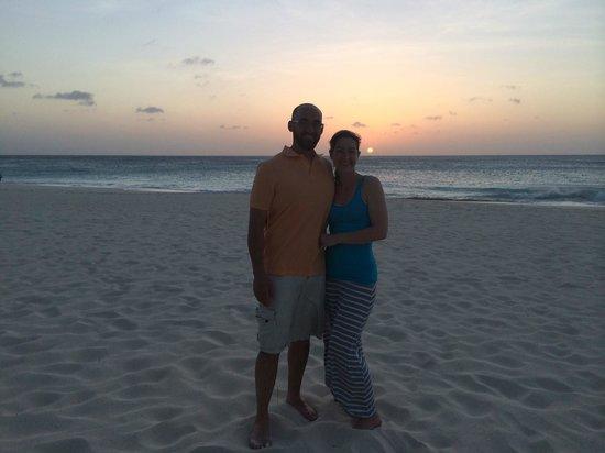 Bucuti & Tara Beach Resort Aruba : Sunset on the beach right outside our palapa for the private beach dinner