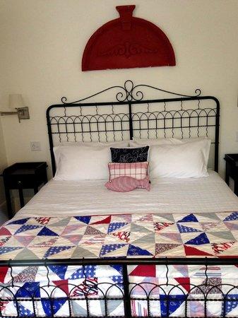 Long Dell Inn: Captains Room
