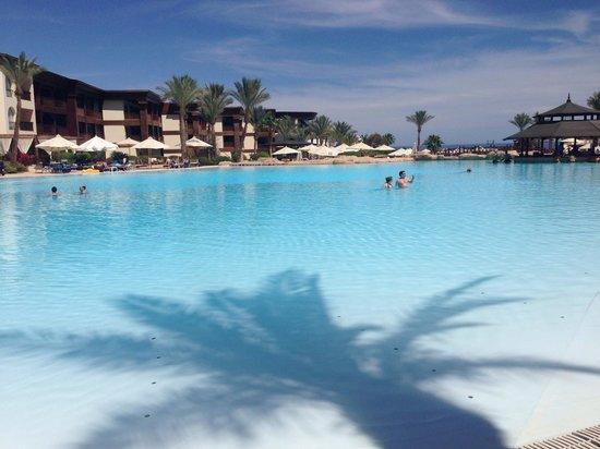 Savoy Sharm El Sheikh: By the pool