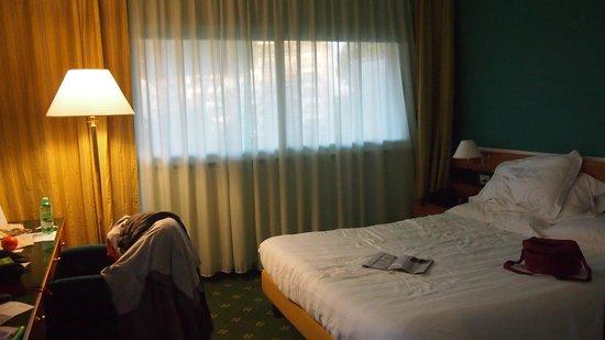 Oly Hotel: la chambre