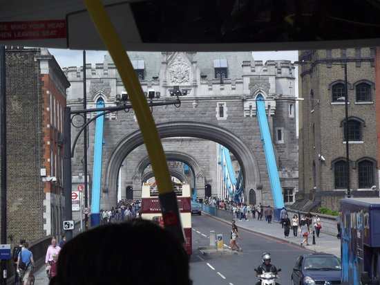 Puente Tower Bridge: From the road