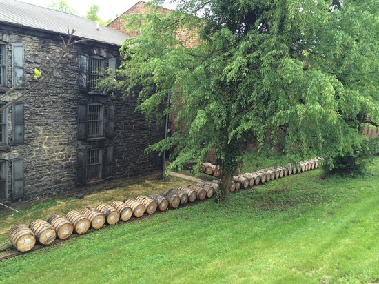 Woodford Reserve Distillery: Barrel houses