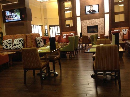 Hilton Garden Inn El Paso Airport: Lobby/Bar