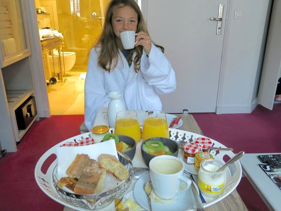 Hotel Konfidentiel: We loved our daily breakfast delivery!