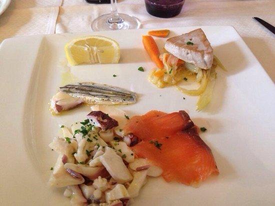 Trattoria Pizzeria del Buontempone : Antipastino di pesce... Veramente ottimo!