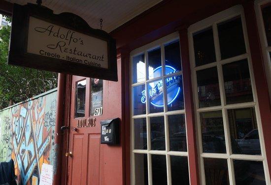 Adolfo's: Entrance