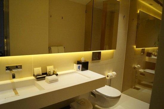 Art'otel Amsterdam: salle de bain
