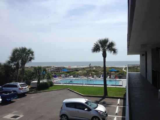 Beachside Motel : From the balcony in front of the room