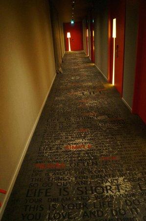 Art'otel Amsterdam: couloir