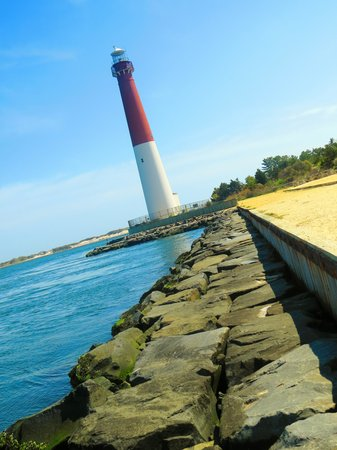 Barnegat Lighthouse State Park: View coming from parking area