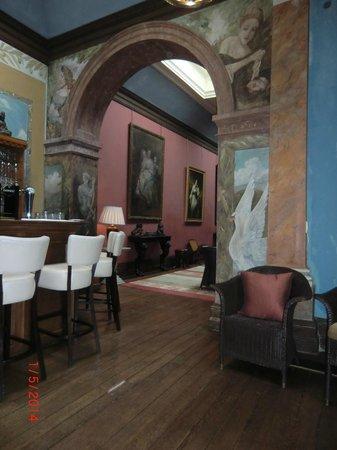Castle Leslie Estate: Bar of Castle Leslie